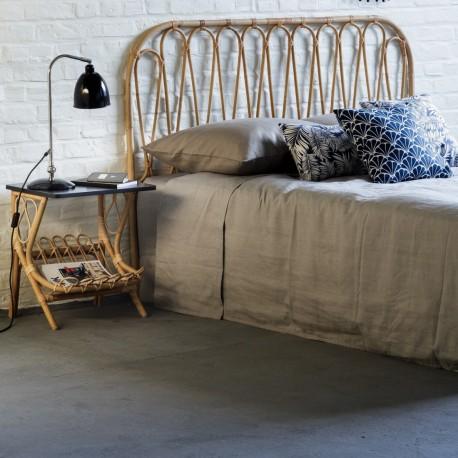 t te de lit en rotin. Black Bedroom Furniture Sets. Home Design Ideas