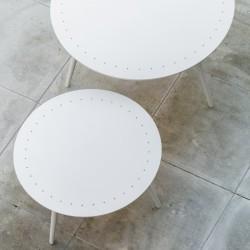 Table basse ronde de jardin blanche