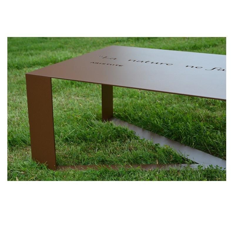 table de jardin personnalis e happiness. Black Bedroom Furniture Sets. Home Design Ideas